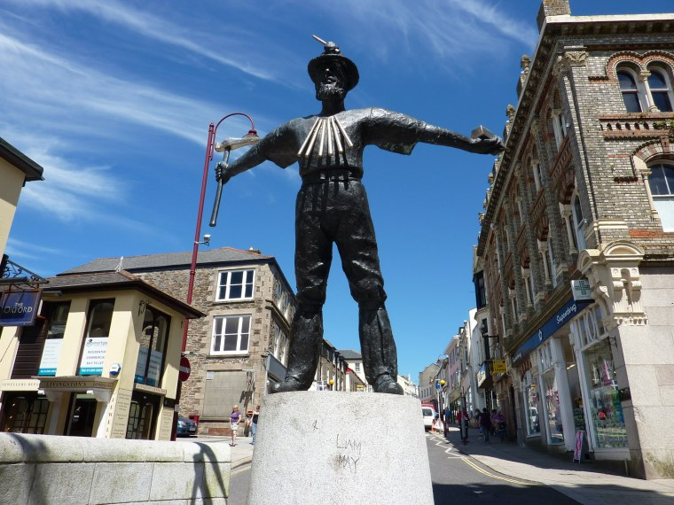Redruth Town Centre.jpg